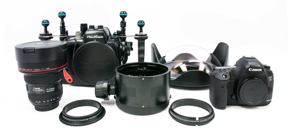 All of the parts needed to use 11-24 /f4L USM on 5D Mk III with zoom and focus control.