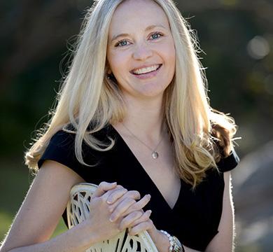 tour leader - Elizabeth Hayllar