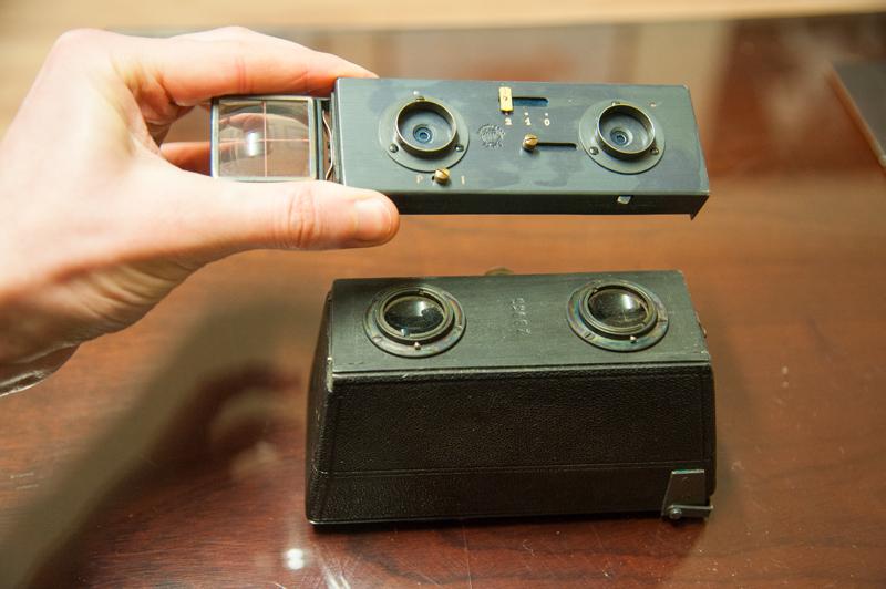 Le Glyphoscope shutter and lens detached.