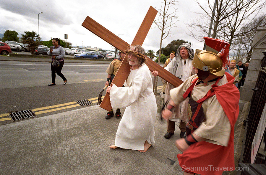 clontarf-stations-of-the-cross-russar-lens-20mm