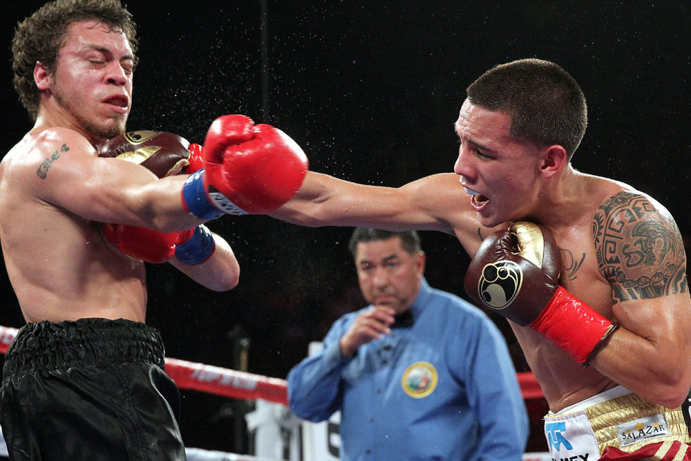 Oscar Valdez (Right)