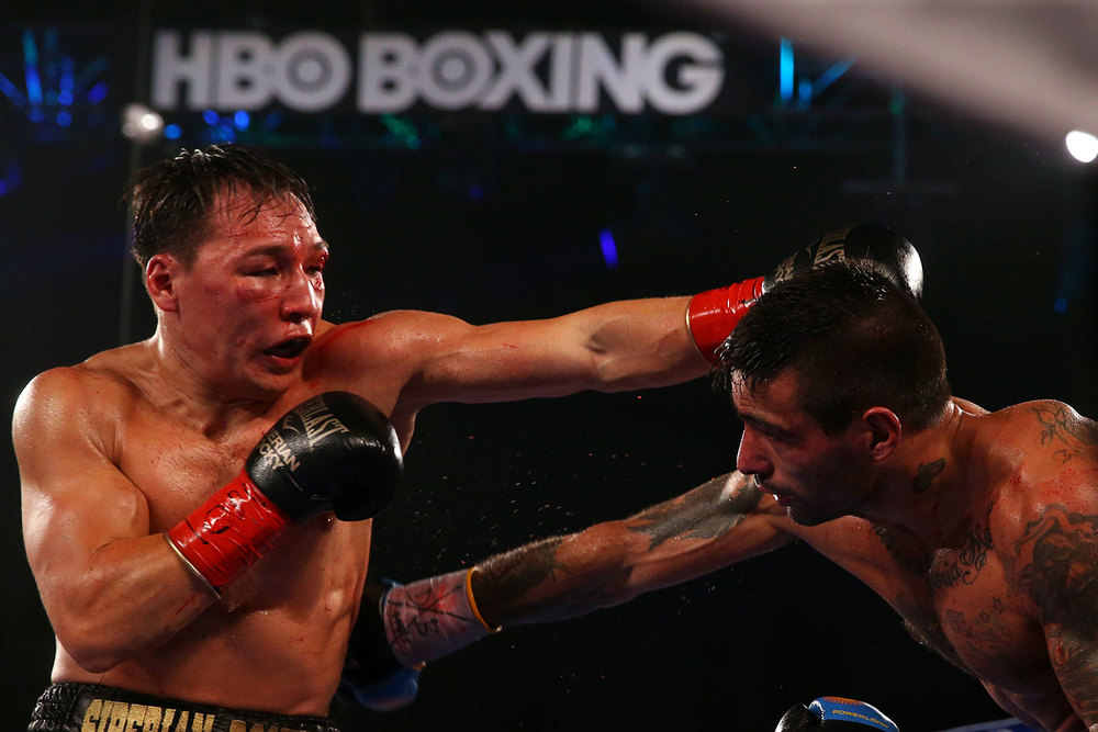 150418-matthysse-vs-provodnikov-slideshow-07.jpg