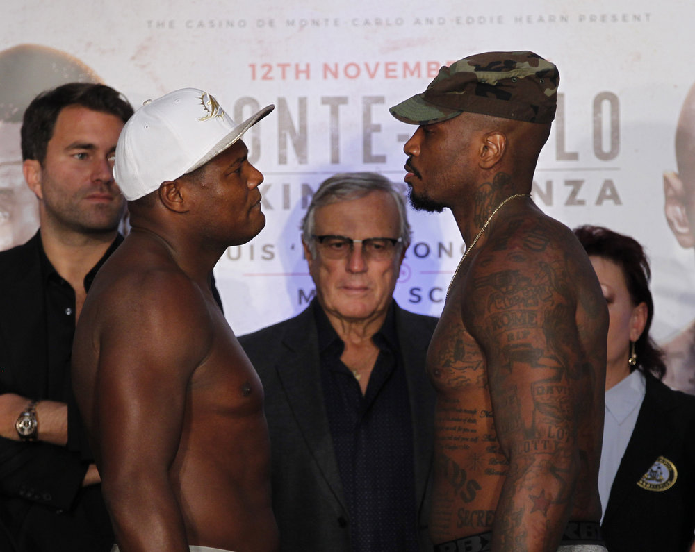 Luis ortiz, left, takes on malik scott in monaco on saturday, nov. 12.