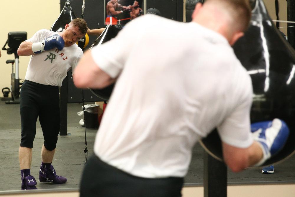 canelo-body-punch-practice.jpg
