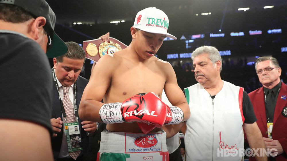 munguia-vs-cook-05.jpg