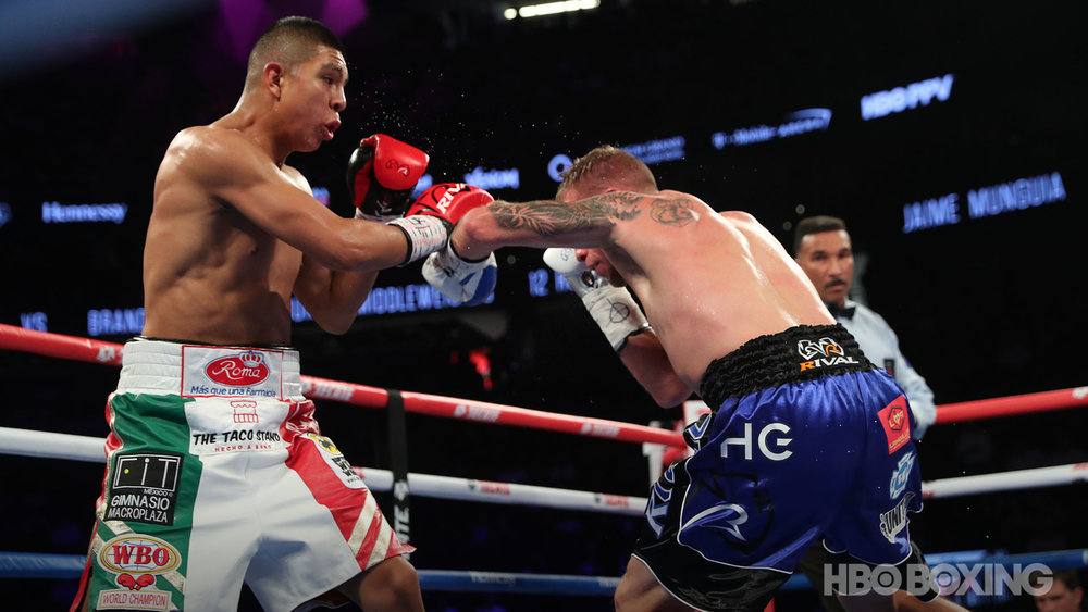 munguia-vs-cook-09.jpg