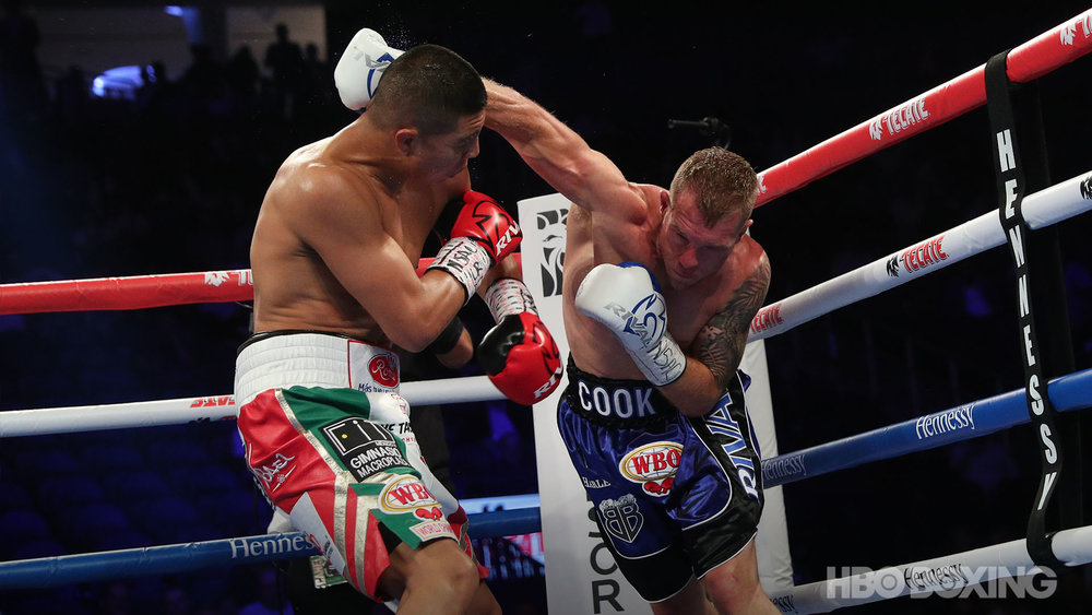 munguia-vs-cook-13.jpg