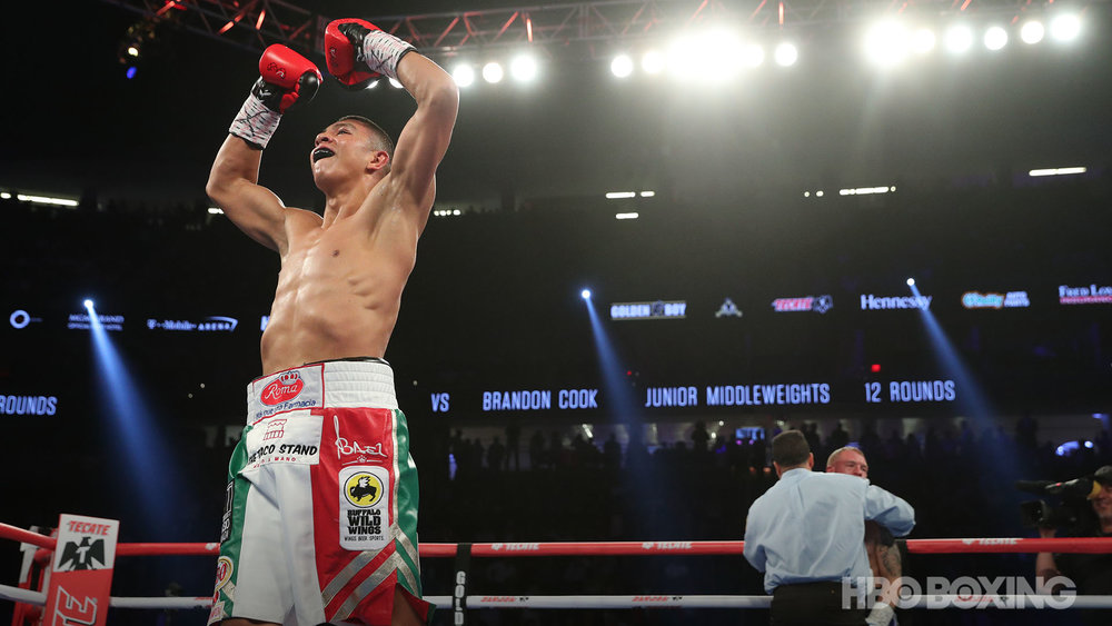 munguia-vs-cook-15.jpg