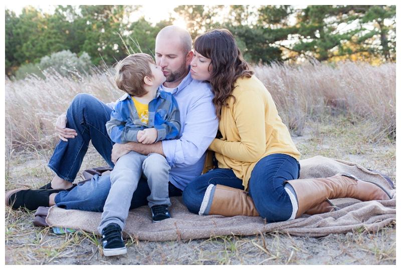 Virginia Beach Family Photographer (20).jpg