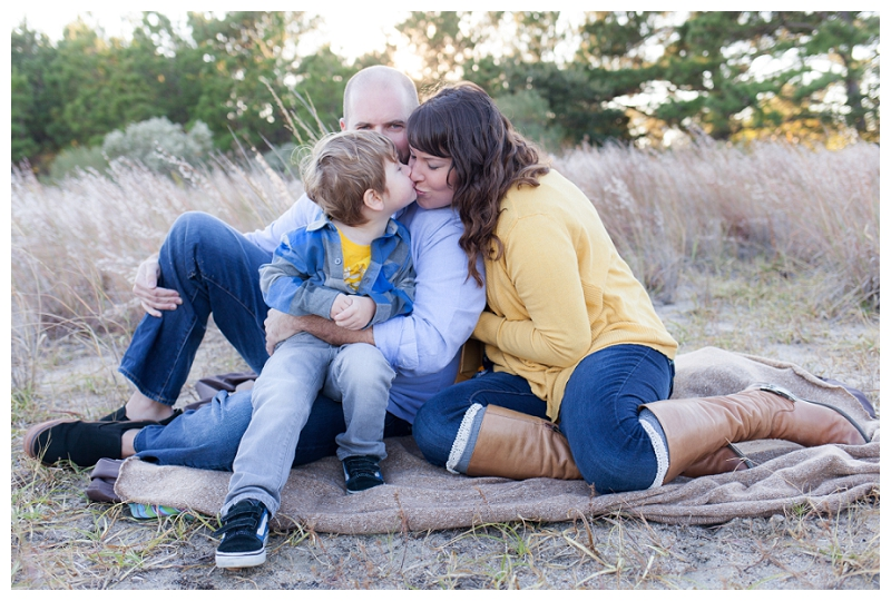 Virginia Beach Family Photographer (21).jpg