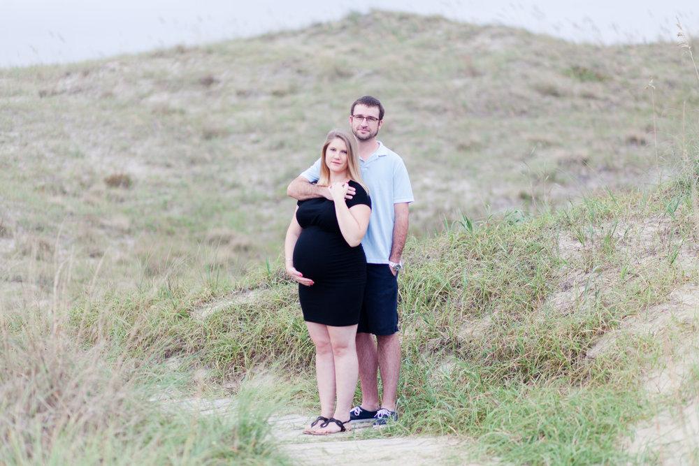Danielle McVey Photography - Virginia Beach Maternity Photographer (5).jpg