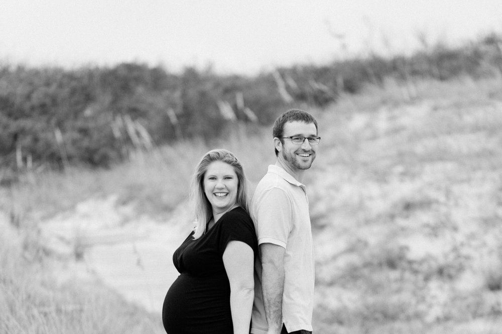 Danielle McVey Photography - Virginia Beach Maternity Photographer (10).jpg
