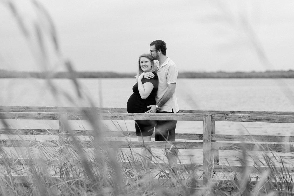 Danielle McVey Photography - Virginia Beach Maternity Photographer (28).jpg