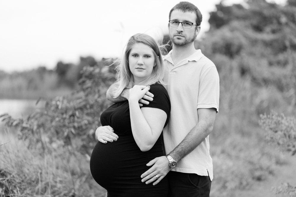 Danielle McVey Photography - Virginia Beach Maternity Photographer (33).jpg