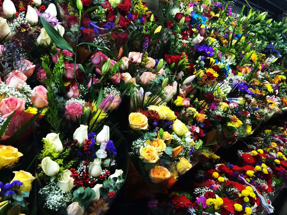 And of course the flower shops on every corner to add some color to the streets. It's the little things of New York.