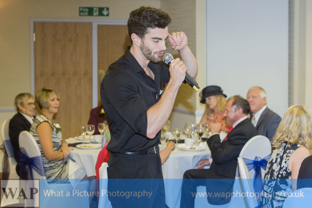 singing-waiters-0003.jpg