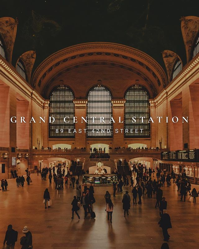 [ Grand Central Station ] • Apesar de estar um tempo sem fotografar, nesse final de ano quero relembrar momentos marcantes que tive em 2018. Essas são fotos inéditas da experiência que tive em Nova York, como por exemplo a famosa Grand Central Station. Um marco arquitetônico no coração de Manhattan, que está super presente no cotidiano dos moradores da Big Apple. Milhares de pessoas passam por ela todos os dias e é dificil poder prestar atenção nos pequenos detalhes que fiz questão de registrar. . Although it's been a while since I photograph, however in this end of year I want to remember remarkable moments of 2018. These are new photos from the experience I had in New York, such as the famous Grand Central Station. An architectural landmark at the heart of Manhattan, that's very present in the daily lives of the Big Apple residents. Thousands of people pass by it every day and it is difficult to pay attention to the small details, which I really wanted to register.