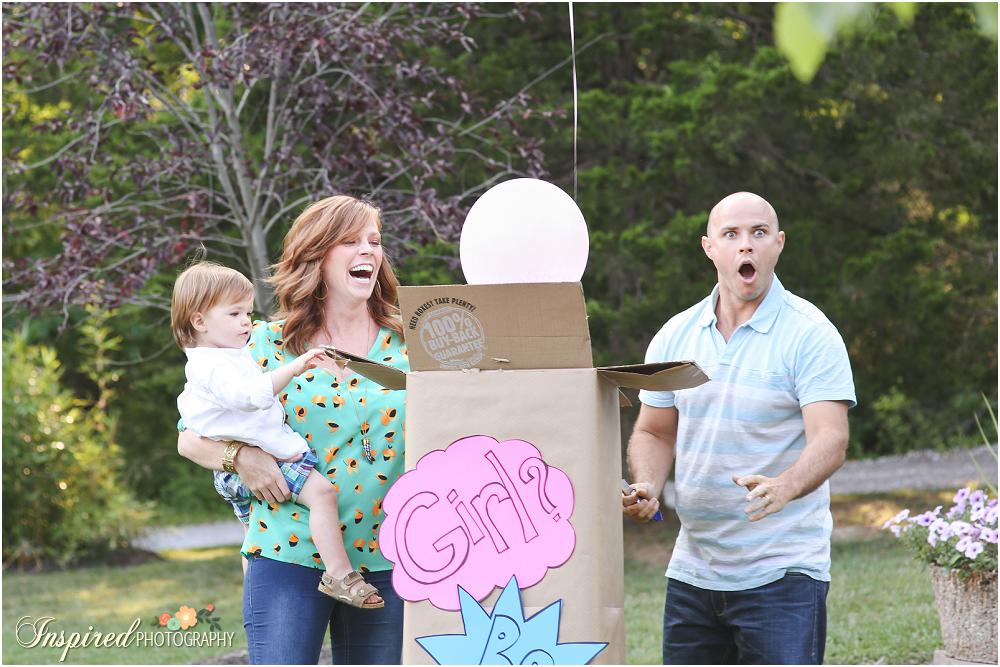 Gender Reveal Photos // www.inspiredphotographystl.com