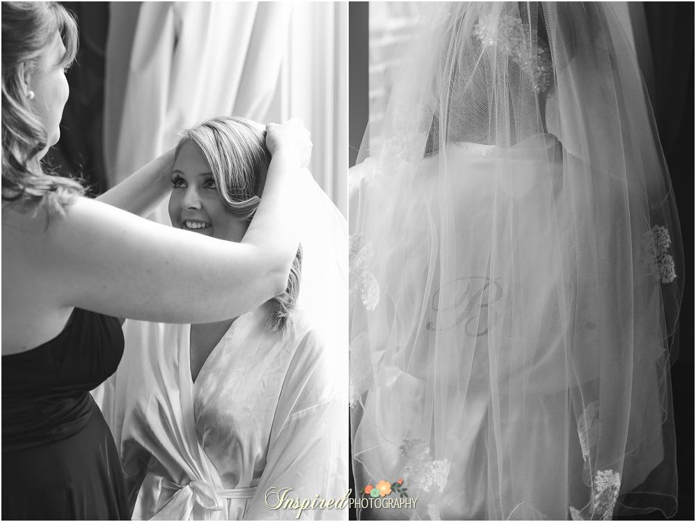 Downtown St. Louis Wedding Photography, Bridal Suite, Veil / www.inspiredphotographystl.com