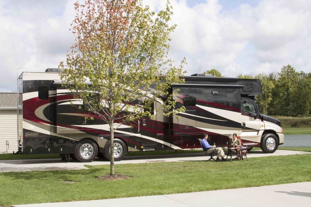 Haulmark Luxury Motor Coach