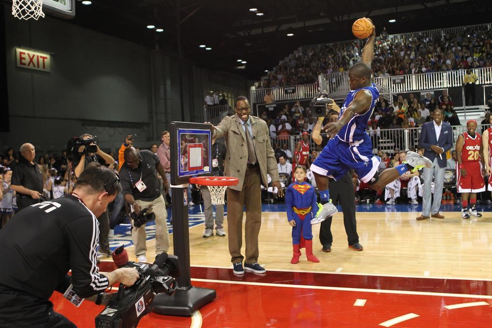 Kevin Hart Celebrity Game 2012.jpg