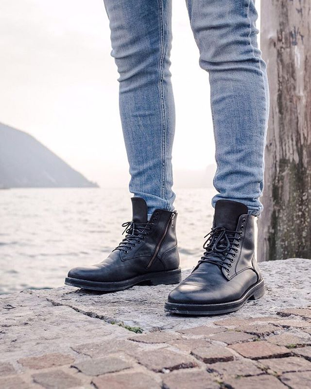 Wet weekend in the UK... Get your boot vibe going!