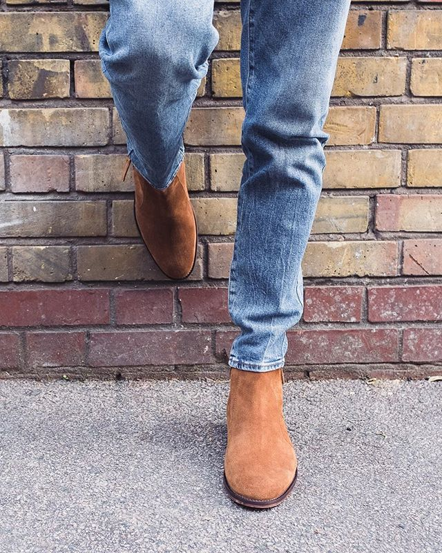 A suede zip boot is a modern classic 👌