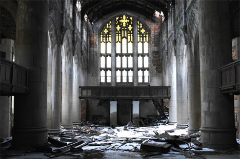 abandoned-church-gary-indiana-interior