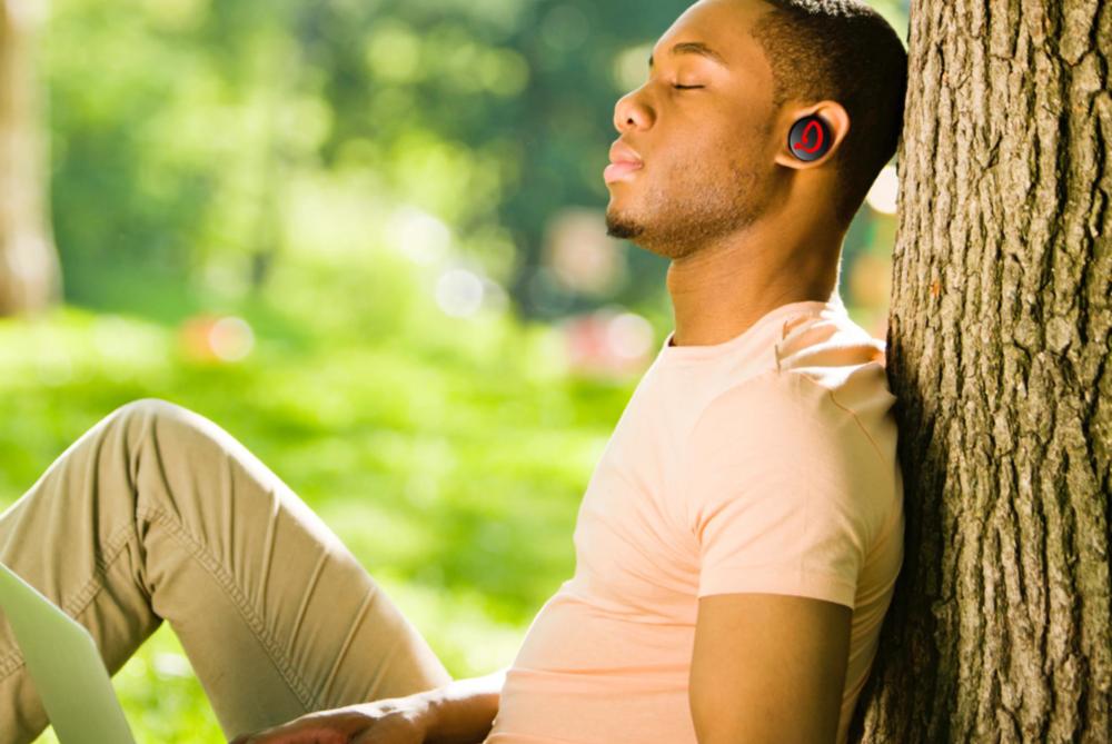 listening-to-music-deka