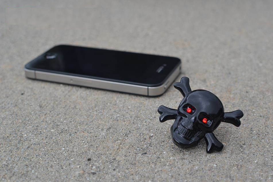 iphone-skull-deka-bluetooth-base