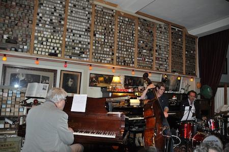 Tussen de pianola's en de pianolarollen