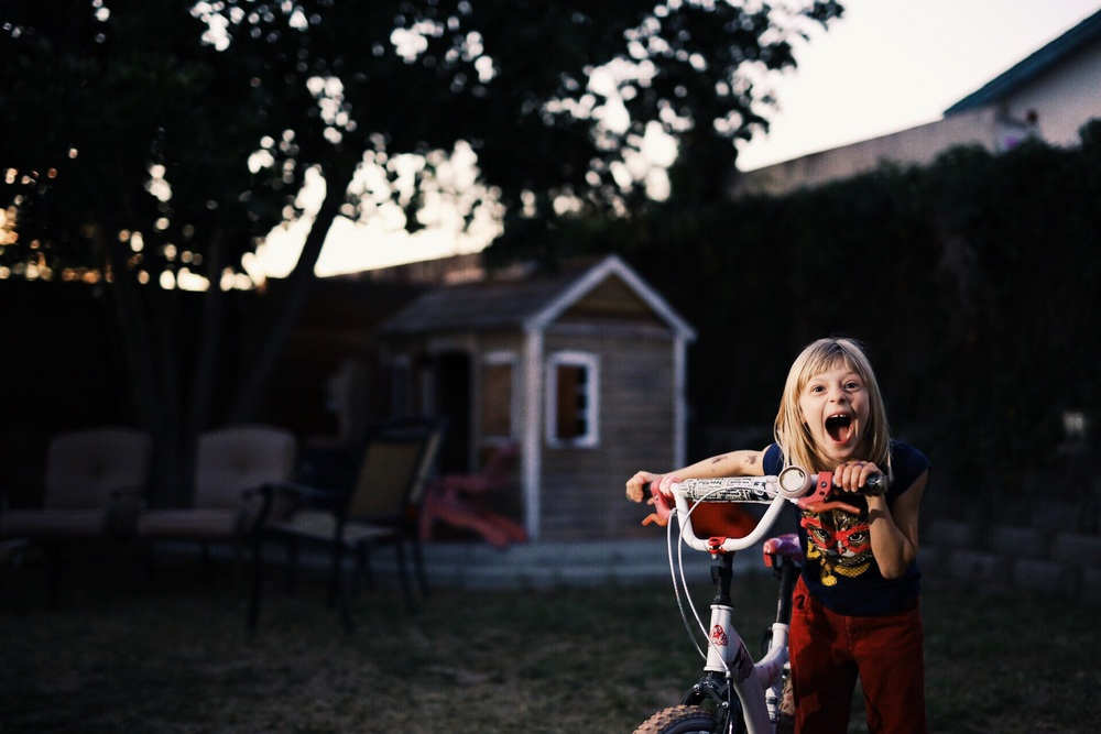 My niece June is a rockstar at heart. I was able to conince them they wanted to take photos by asking them to help me with the lights. Suddenly taking pictures was the best thing ever!