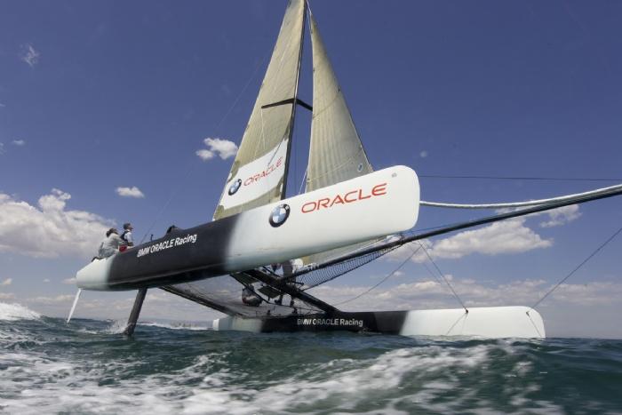 USA 17 - BMW Oracle Racing Yacht