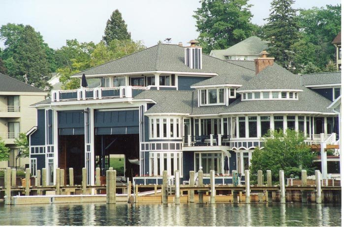 Four Winns Boathouse Exterior