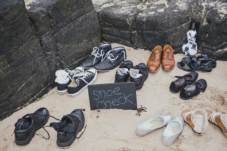 beach shoe check