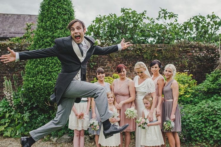 photo bomb wedding