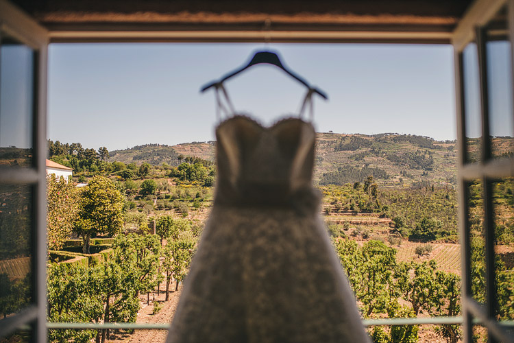 Destination wedding photographer Portugal vineyard