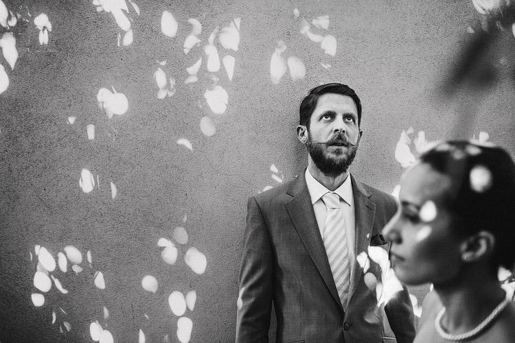 Documentary wedding photographer Porto