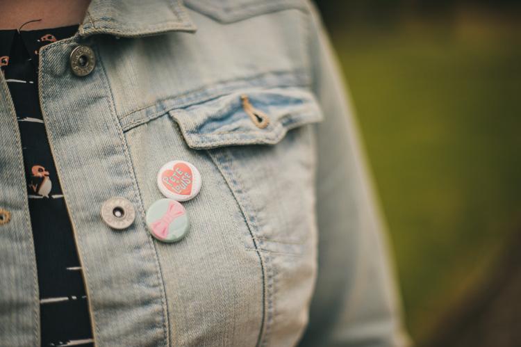 diy button badges wedding