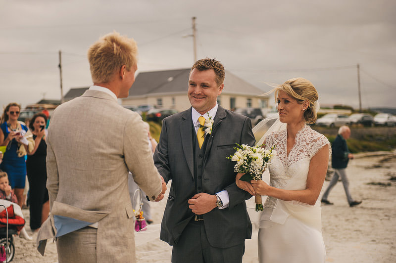 beach-wedding-ireland-020_mini.jpg