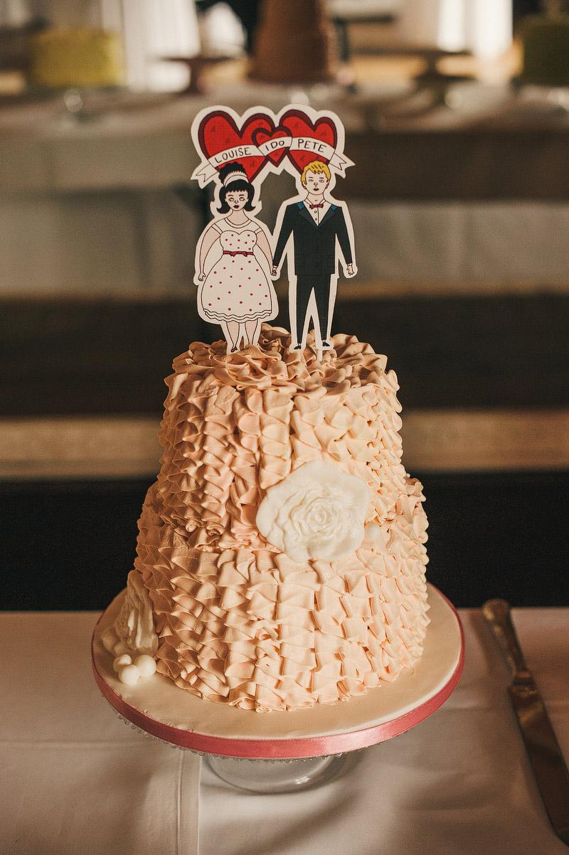 retro 60s wedding cake