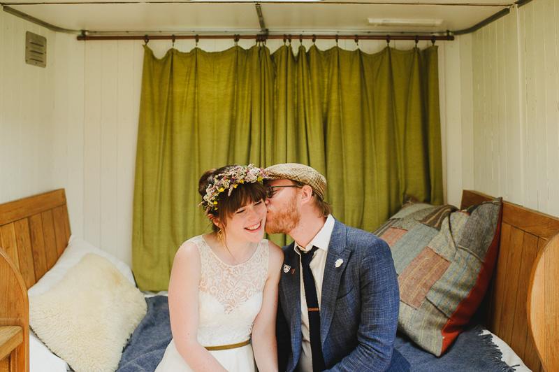 train carriage wedding photographer