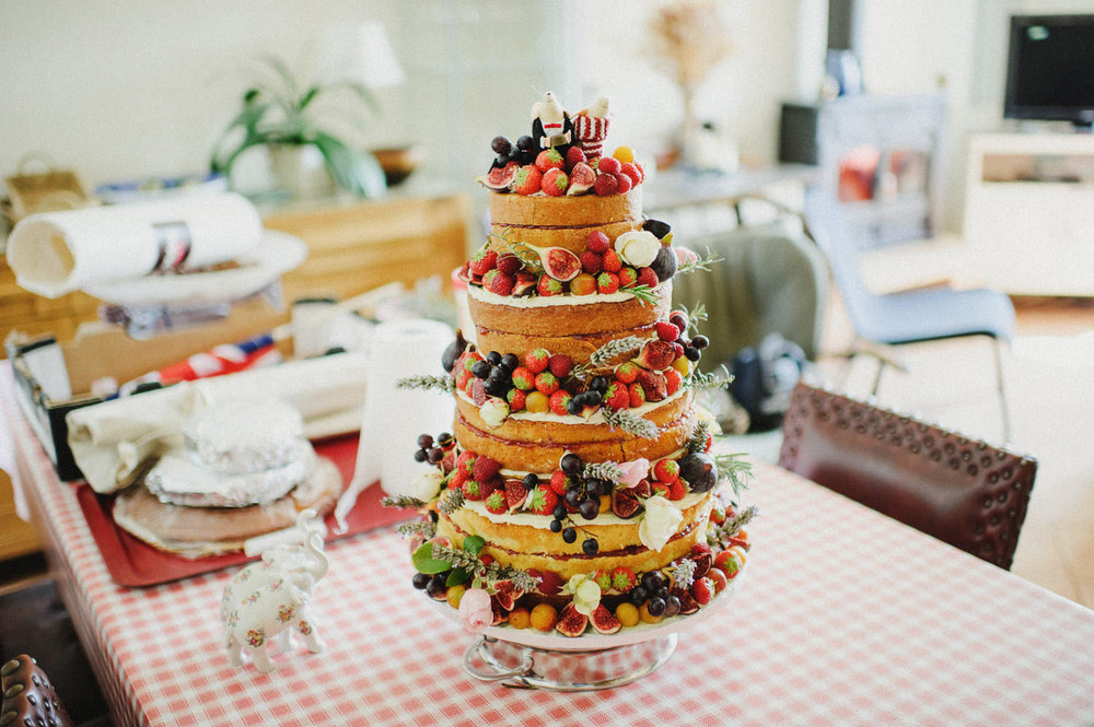 naked layered wedding cake french