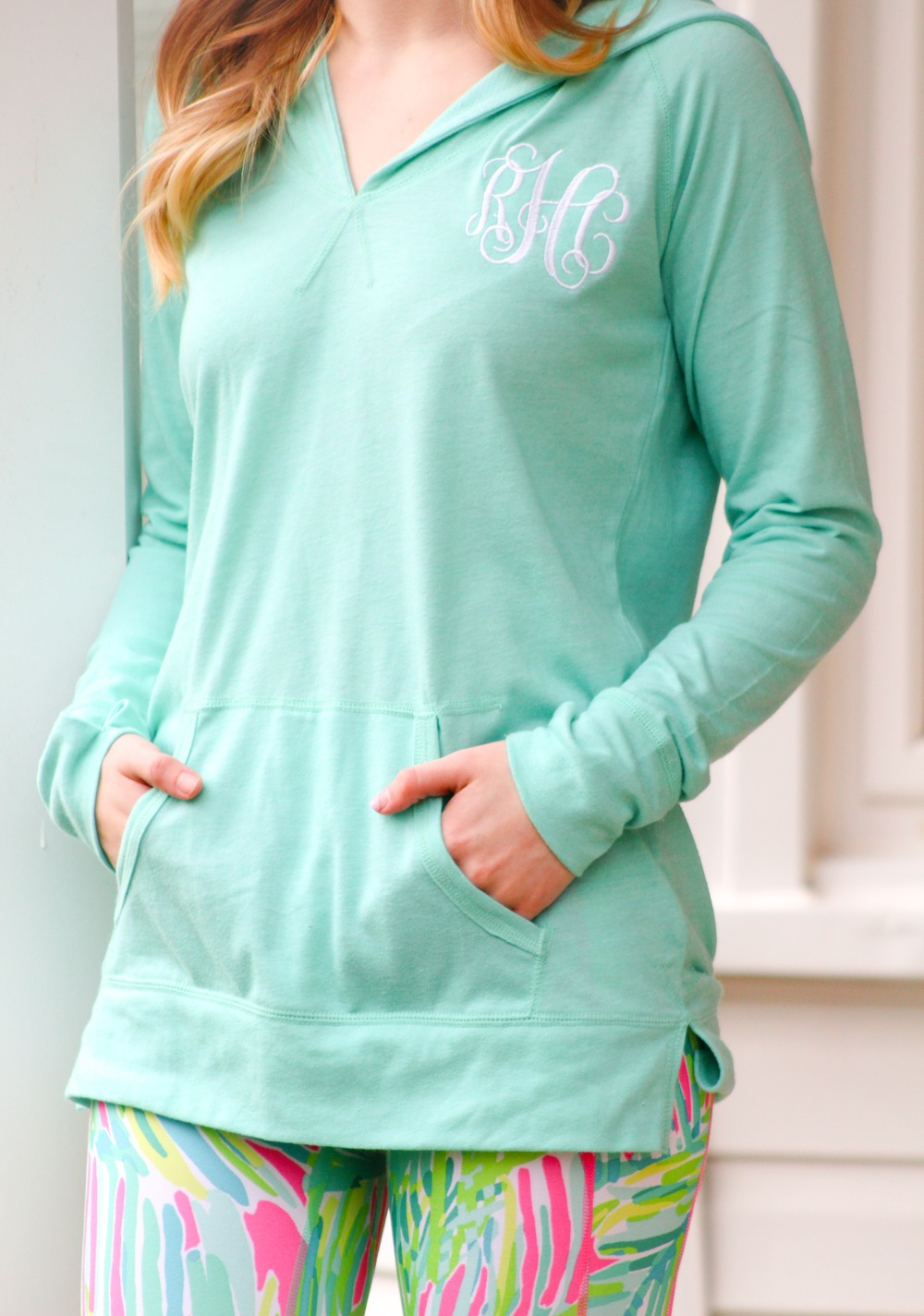Say hello to your new favorite lounge piece! We've paired this lightweight hooded  sweatshirt  with some fun leggings, but it would look great in tons of different ways! We specifically love this sweatshirt for a comfy (and stylish) traveling outfit!
