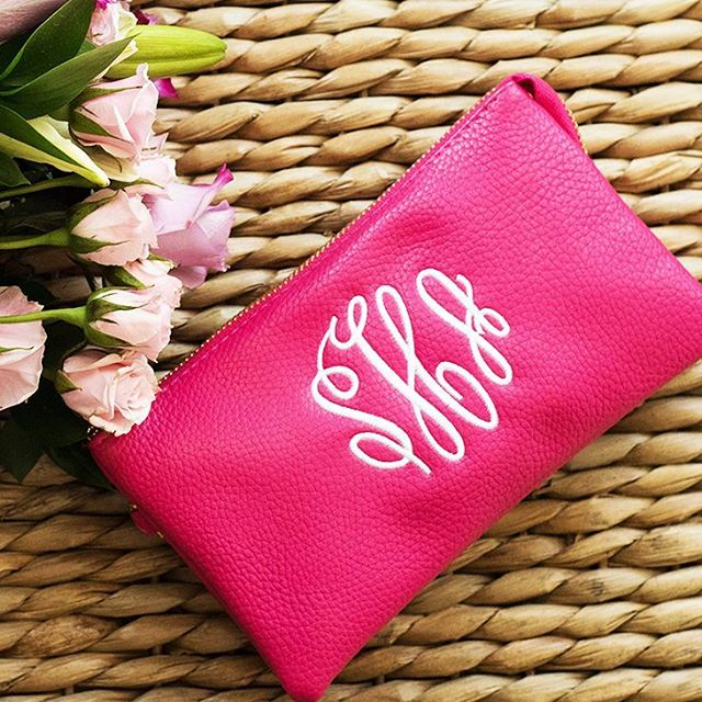 The Bella clutch is perfect...We're thinking a Valentine's gift for ourselves 😚💋👍