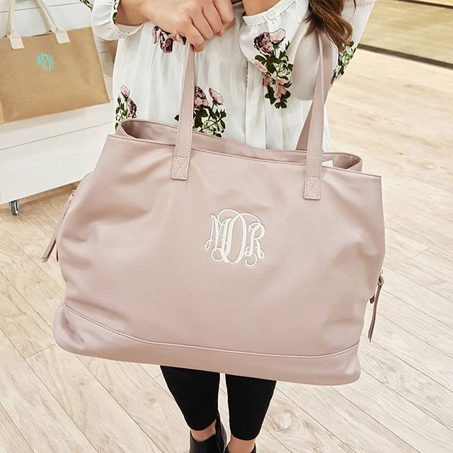 Loving the blush color for spring 🌸