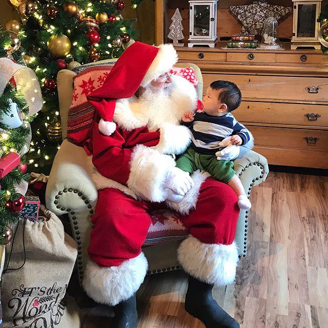 Elliot meets Santa ❤️