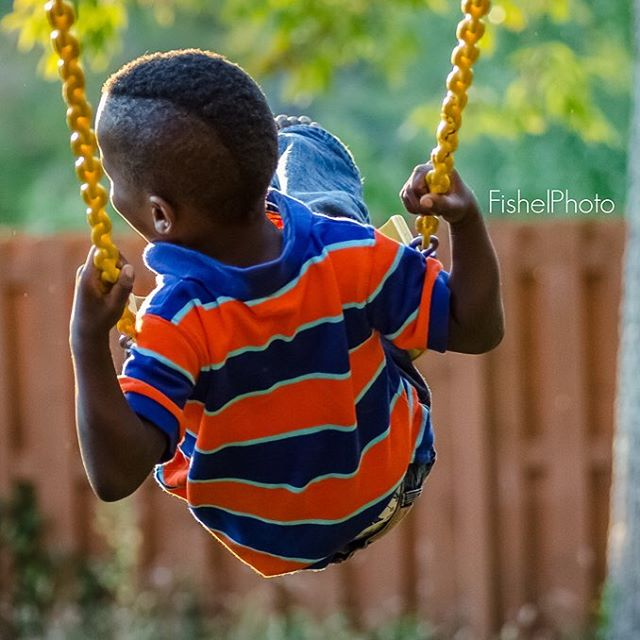 Just a Swingin!  Just to see if I could do it I decided to try this with a 90mm macro lens not known for speed.  Hope everyone (US) has a good holiday weekend.  Outside the US have a great regular weekend.  #fishelphoto #igerscincinnati #cincyigers #nikond7000 #macrolens #cincinnatiparent #cincinnatifamily #kids #fun #swinging #summer #craftandvision #all_my_own