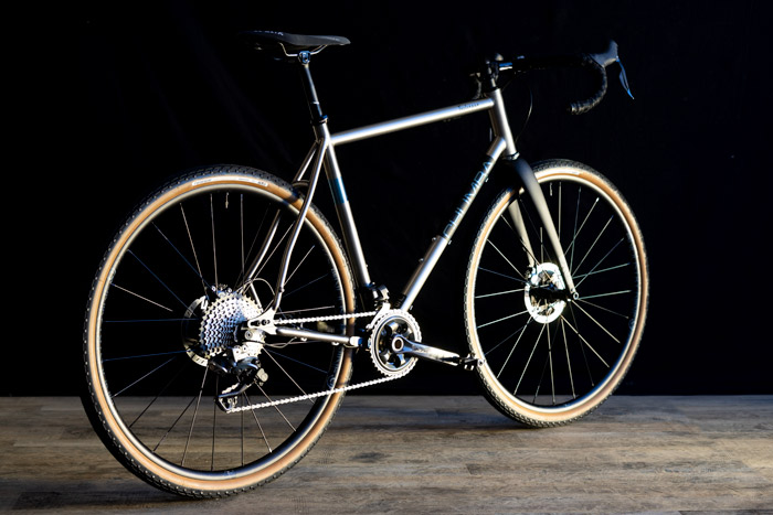 """Terlingua Titanium - 700c up to 52mm or 650b up to 2.1"""""""