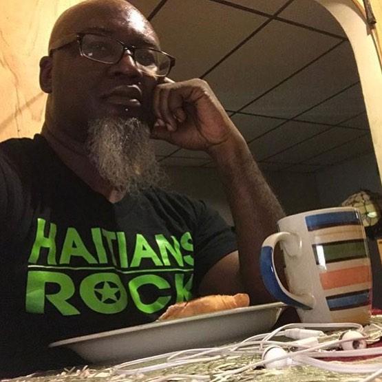 DJ HARD HITTIN HARRY ROCKING #HAITIANSROCK #BLACKNEONGREEN #TSHIRT #ROCKBYRONALDTIMMER VISIT WWW.ROCKBYRONALDTIMMER.COM @hardhittinharry